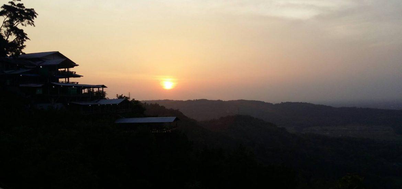 bukit-bintang-gunung-kidul-yogyakarta-sunset