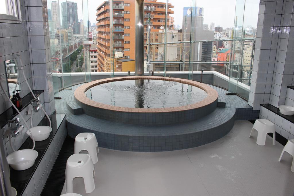sun-plaza-hotel-osaka-jepang-budget-hotel-onsen